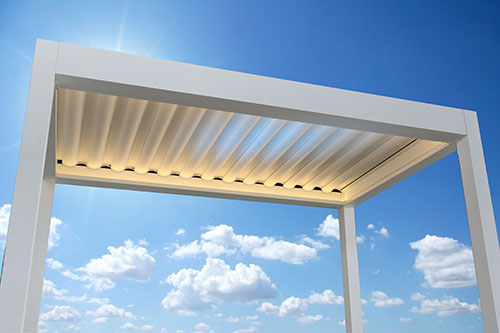 Retractable Roof - Open Air - Click and Drag the arrows